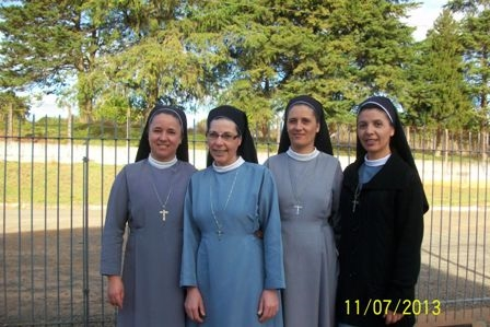 brazilian-sisters
